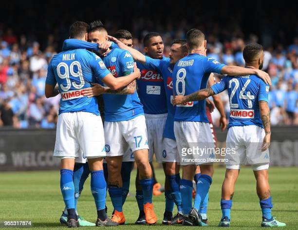 Players of SSC Napoli celebrate the 21 goal scored by Marek Hamsik during the serie A match between SSC Napoli and Torino FC at Stadio San Paolo on...