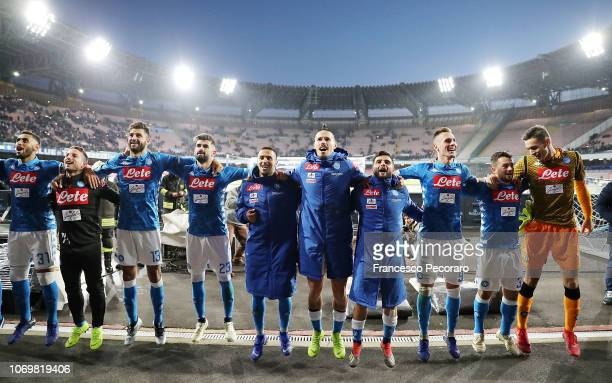 Players of SSC Napoli celebrate the victory after the Serie A match between SSC Napoli and Frosinone Calcio at Stadio San Paolo on December 8 2018 in...