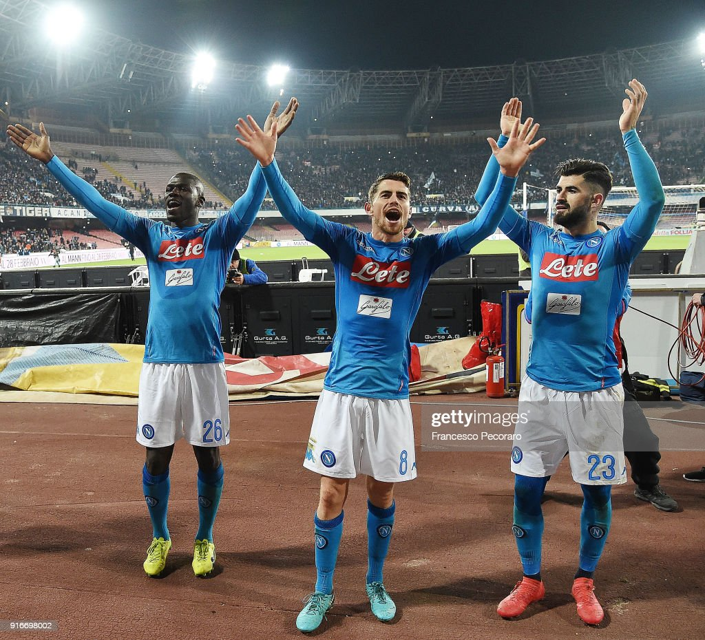 Players of SSC Napoli celebrate the victory after the serie A match between SSC Napoli and SS Lazio at Stadio San Paolo on February 10, 2018 in Naples, Italy.
