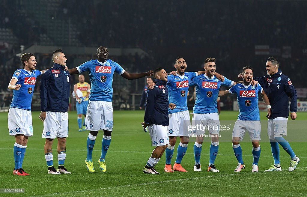 Players of SSC Napoli celebrate victory at the end of the Serie A match between Torino FC and SSC Napoli at Stadio Olimpico di Torino on May 8, 2016 in Turin, Italy.