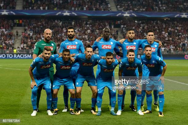 Players of SSC Napoli pose for a team photo prior to the UEFA Champions League Qualifying PlayOffs Round Second Leg match between OGC Nice and SSC...