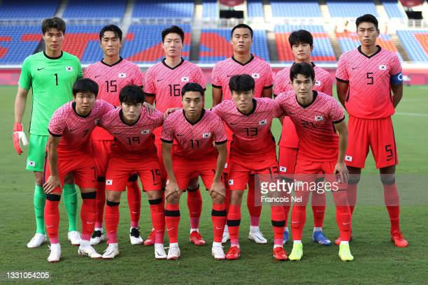 Players of Team South Korea pose for a team photograph prior to the Men's Group B match between Republic of Korea and Honduras on day five of the...