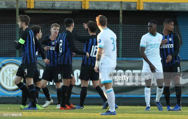 Players of the FC Internazionale celebrate a victory at the end of the UEFA Youth League match between FC Internazionale and PSV at Stadio Breda on...