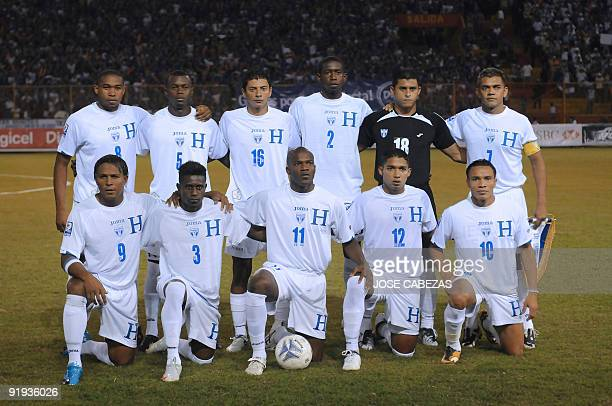 Players of the Honduran national football team pose for a picture prior to their FIFA World Cup South Africa2010 qualifying football match against El...