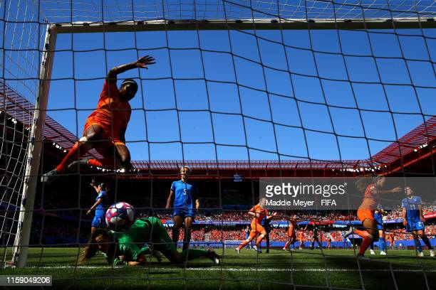 Players of the Netherlands celebrate after Vivianne Miedema of the Netherlands scores her team's first goal during the 2019 FIFA Women's World Cup...