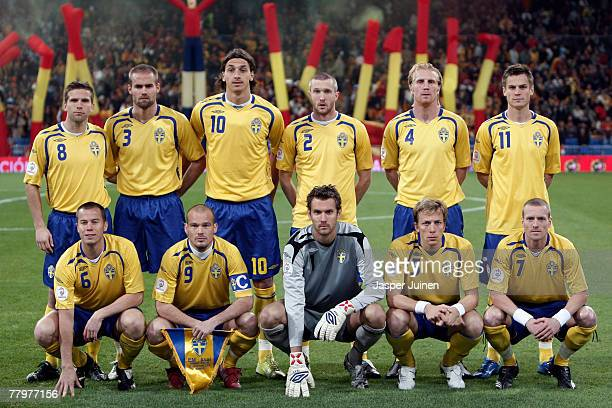 Players of the Swedish national soccer team Karl Svensson Olof Mellberg Zlatan Ibrahimovic Mikael Nilsson Petter Hansson Markus Rosenberg Daniel...