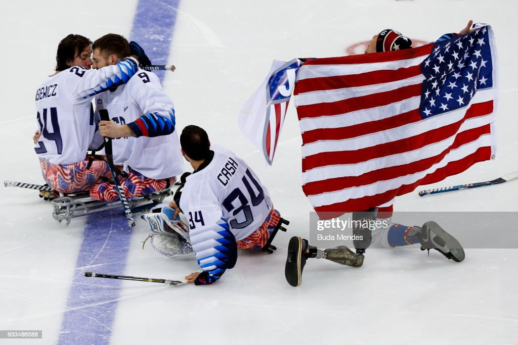 Players of the United States celebrates the gold medal after winning in the Ice Hockey gold medal game between United States and Canada during day nine of the PyeongChang 2018 Paralympic Games on March 18, 2018 in Gangneung, South Korea.
