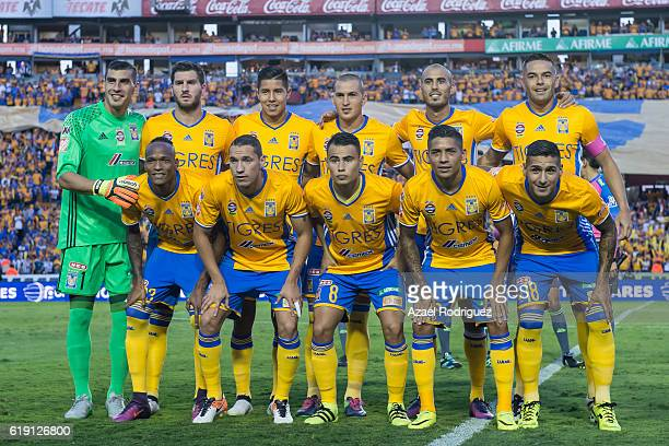 Players of Tigres pose prior the 15th round match between Tigres UANL and Monterrey as part of the Torneo Apertura 2016 Liga MX at Universitario...
