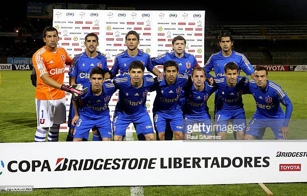 Players of U de Chile pose for a group photo prior to a match between Real Garcilaso and U de Chile as part of round 3 of Copa Bridgestone...