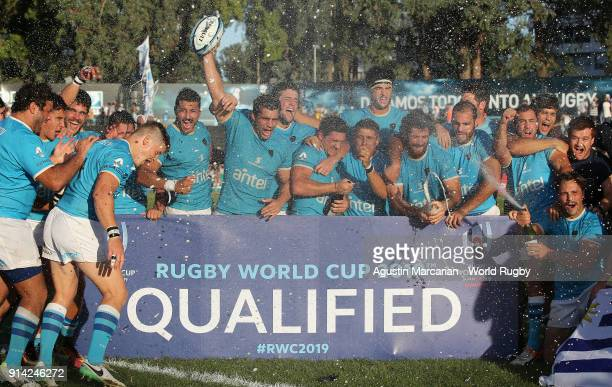 Players of Uruguay celebrates after qualified to the Rugby World Cup 2019 at Estadio Charrua on February 3 2018 in Montevideo Uruguay