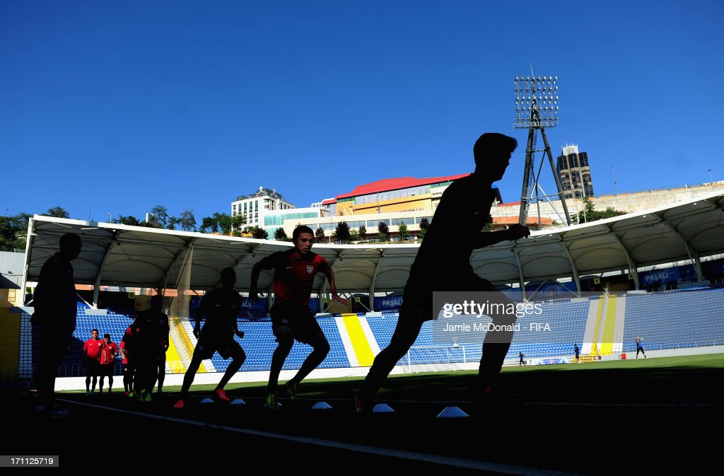 Players of USA warm up during a USA training session at Kasimpasa Recep Tayyip Erdogan stadium on June 22, 2013 in Istanbul, Turkey.