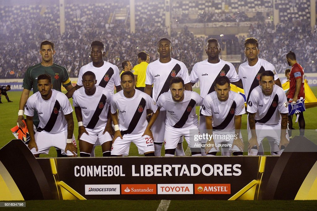 Players of Vasco da Gama pose for photographers before a Group Stage match between Vasco and Universidad de Chile as part of Copa CONMEBOL Libertadores 2018 at Sao Januario Stadium on March 13, 2018 in Rio de Janeiro, Brazil.