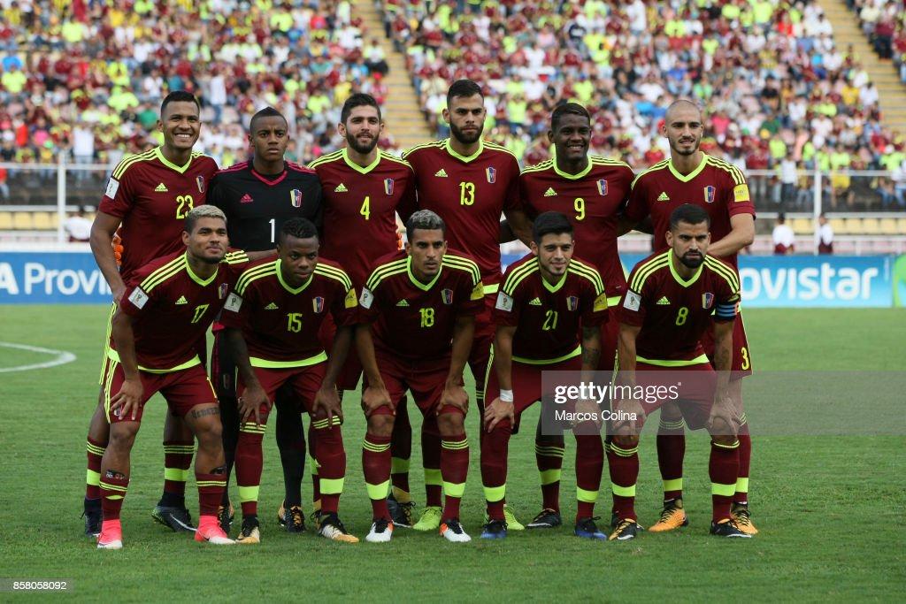 Players of Venexuela pose the match between Venezuela and Uruguay as part of FIFA 2018 World Cup Qualifiers at Pueblo Nuevo Stadium on October 05, 2017 in San Cristobal, Venezuela.
