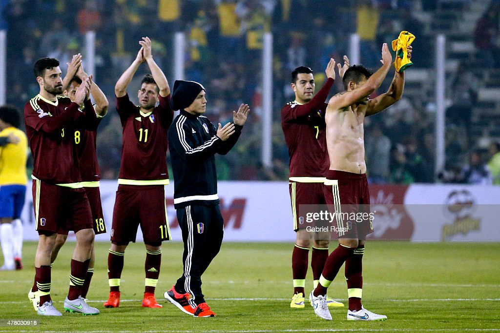 Players of Venezuela greet fans after the 2015 Copa America Chile Group C match between Brazil and Venezuela at Monumental David Arellano Stadium on June 21, 2015 in Santiago, Chile.