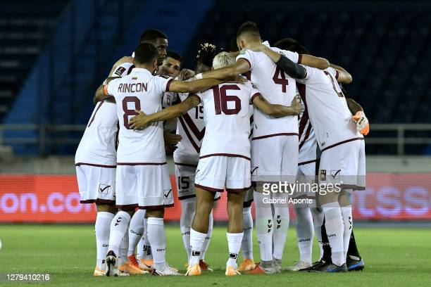 Players of Venezuela huddle prior to a match between Colombia and Venezuela as part of South American Qualifiers for Qatar 2022 at Estadio...
