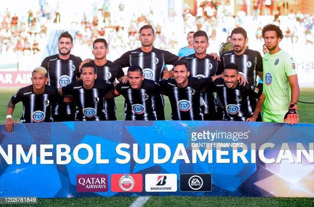 Players of Venezuela's Zamora pose for pictures before their Copa Sudamericana football match against Uruguay's Plaza Colonia at the Profesor Alberto...