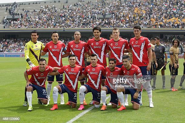 Players of Veracruz pose for a team photo prior to an 8th round match between Pumas UNAM and Veracruz as part of the Apertura 2015 Liga MX at...