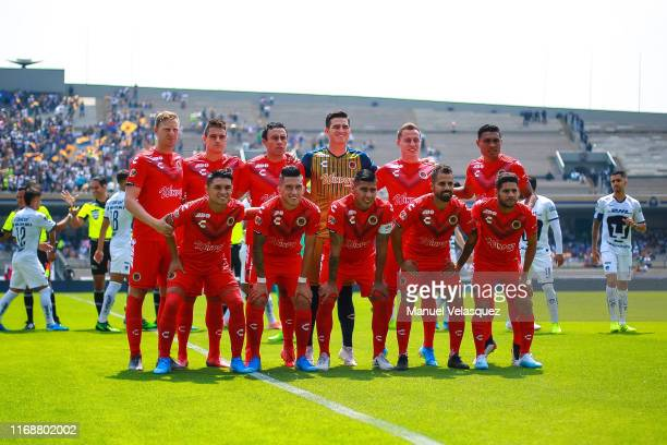 Players of Veracruz pose prior the 5th round match between Pumas UNAM and Veracruz as part of the Torneo Apertura 2019 Liga MX at Olimpico...