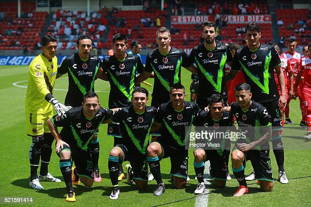 Players of Veracruz pose prior to the 14th round match between Toluca and Veracruz as part of the Clausura 2016 Liga MX at Nemesio Diez Stadium on...
