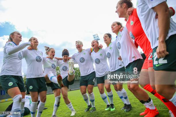 Players of Wolfsburg celebrate after the Allianz Frauen Bundesliga match between TSG Hoffenheim and VfL Wolfsburg at DietmarHoppStadion on May 05...