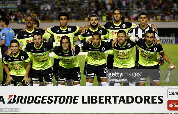 Players of Zamora pose for a photo prior the match between Boca Juniors and Zamora as part of third round of Group 5 of Copa Bridgestone Libertadores...