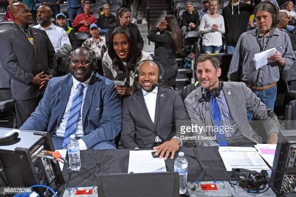 Players only reporters Shaquille O'Neal Lisa Leslie Derek Fisher and Brent Barry are seen at the game between the Denver Nuggets and the Los Angeles...
