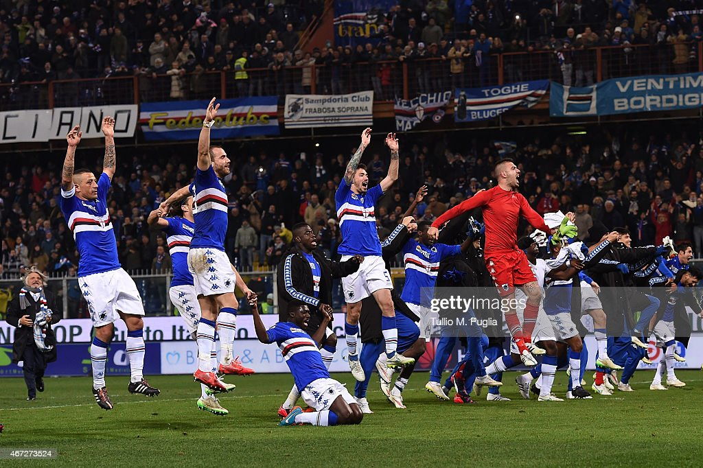 Players Sampdoria celebrate after winning the Serie A match between UC Sampdoria and FC Internazionale Milano at Stadio Luigi Ferraris on March 22, 2015 in Genoa, Italy.