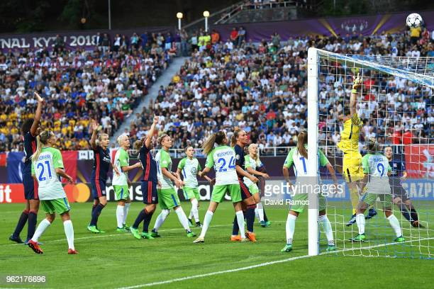 Players watch as the ball sails over the net during the UEFA Womens Champions League Final between VfL Wolfsburg and Olympique Lyonnais on May 24...