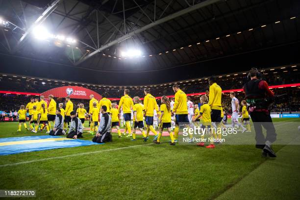 Playes of Sweden enters the pitch ahead of the UEFA Euro 2020 Qualifier between Sweden and Faroe Islands on November 18, 2019 in Solna, Sweden.