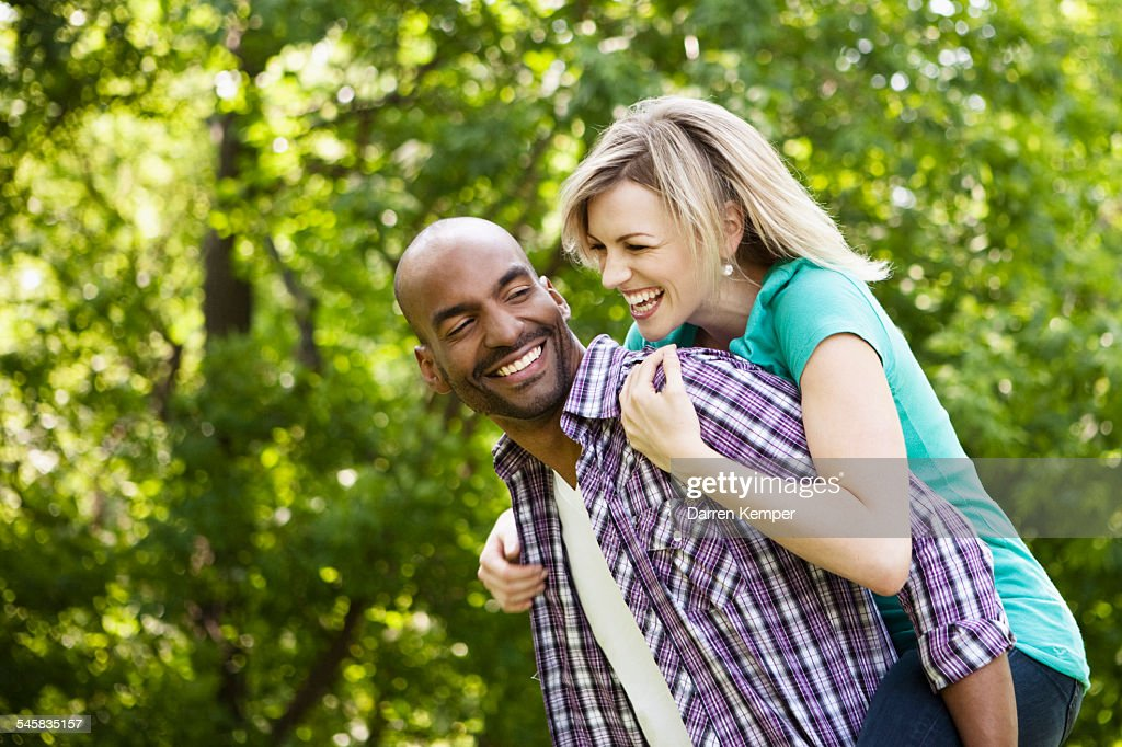 Playful young couple : Foto de stock