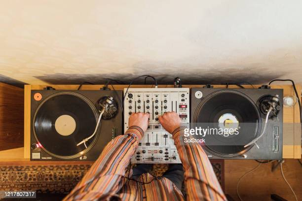 playing a dj deck - skill stock pictures, royalty-free photos & images