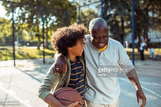 playing basketball - vita attiva foto e immagini stock