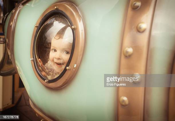 playing in the carrousel - 潜水艦 ストックフォトと画像