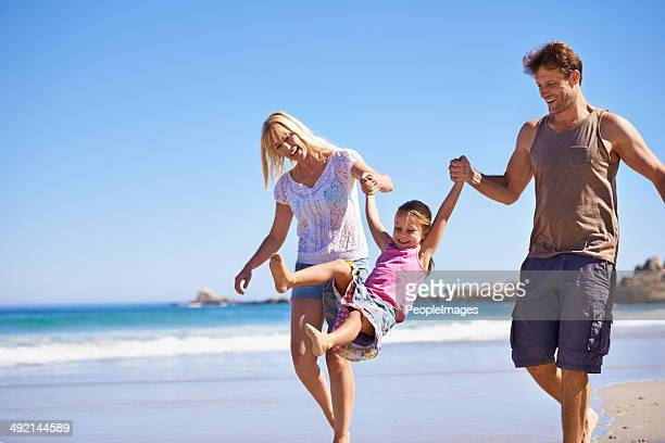 Jouant sur la plage