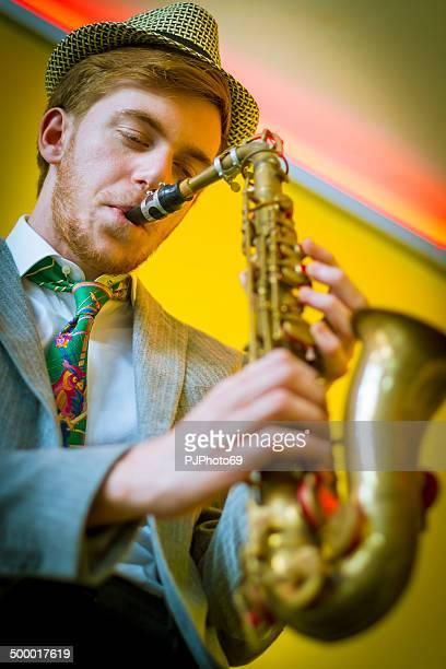 Spielen Saxophon - 50-Stil