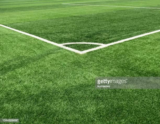 playing sports field,corner kick - chute de escanteio - fotografias e filmes do acervo