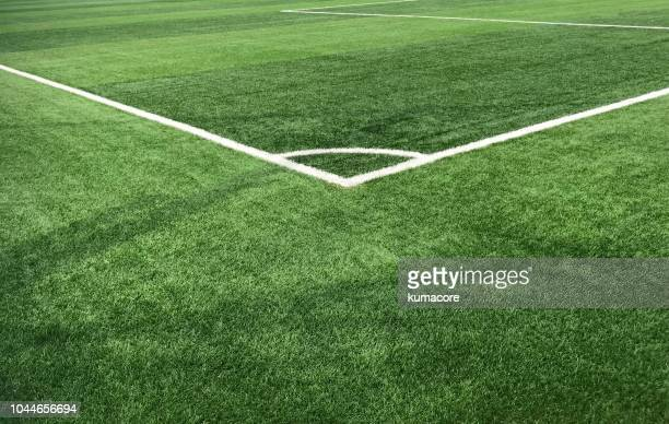 playing sports field,corner kick - football photos et images de collection