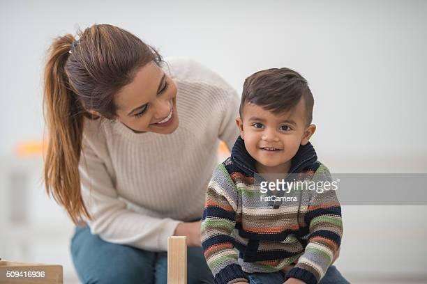 Sie spielen gemeinsam am Muttertag