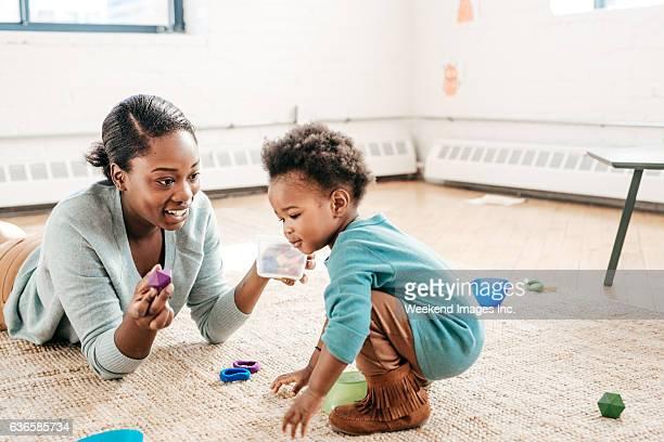 Jogar com Criança pequena