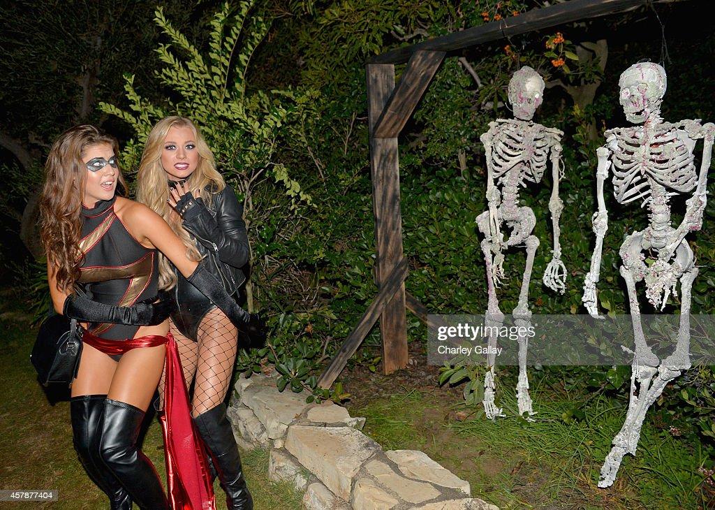 Playboy Mansion Hosts Annual Halloween Bash : Foto di attualità
