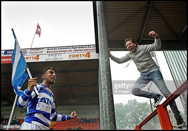 Playoffs Volendamde Graafschap Caver Cavlan viertt feest met de meegereisde fans na de promotie Foto Pim Ras during the playoffs promotion/relegation...