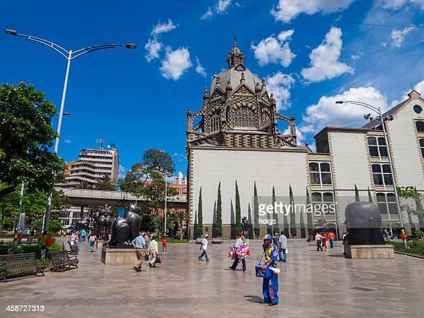 plaza botero, medellín - medellin colombia fotografías e imágenes de stock