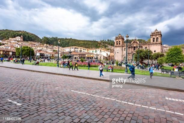 plaza de armas von cuzco - provinz cusco stock-fotos und bilder