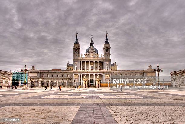 plaza de la armeria - hdr - royal cathedral stock pictures, royalty-free photos & images