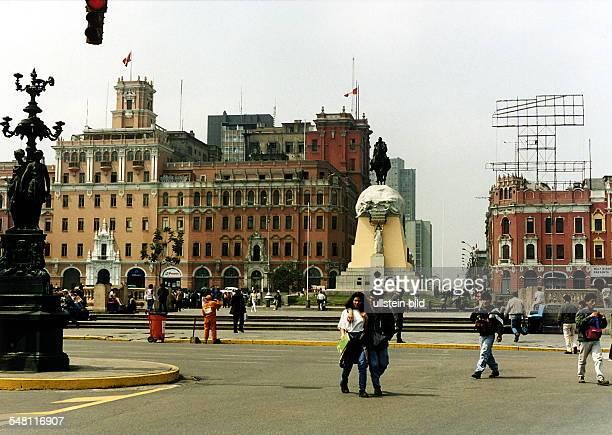 Plaza de San Martin mit dem Reiterstandbild des Generals D Jose San Martin in der Hauptstadt Lima August 1996