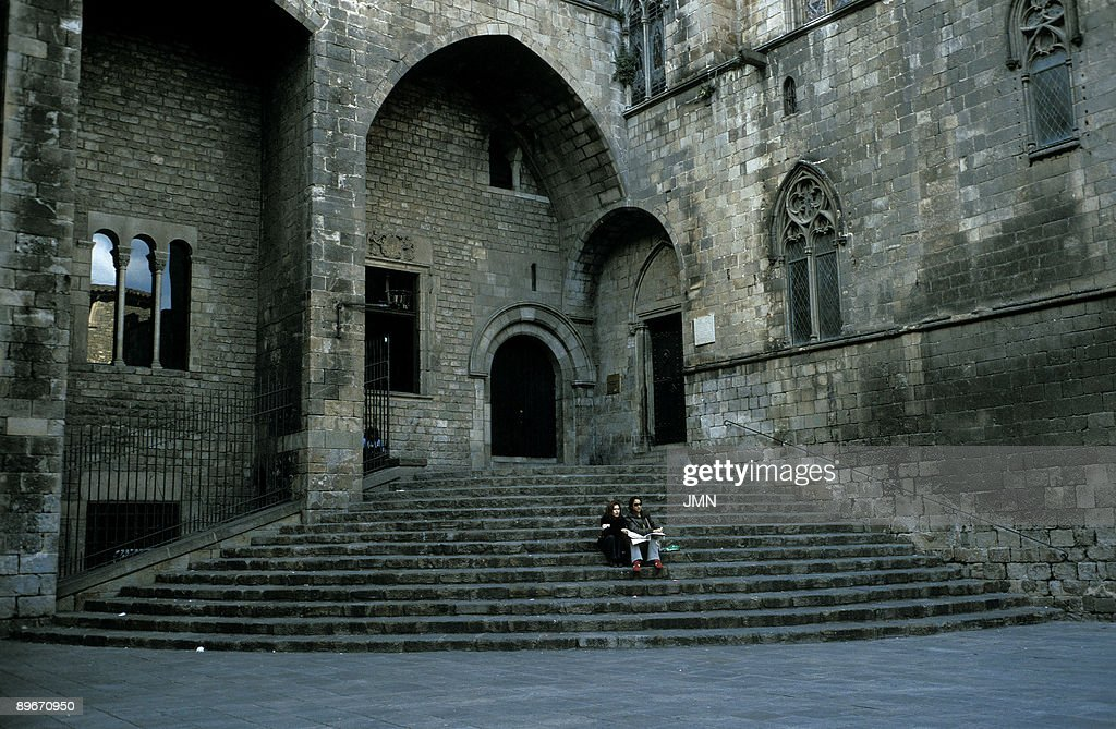 Plaza del Rey. Barcelona. Gothic architecture. : News Photo