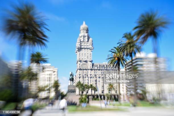 plaza independencia, montevideo, uruguay - radicella photos et images de collection