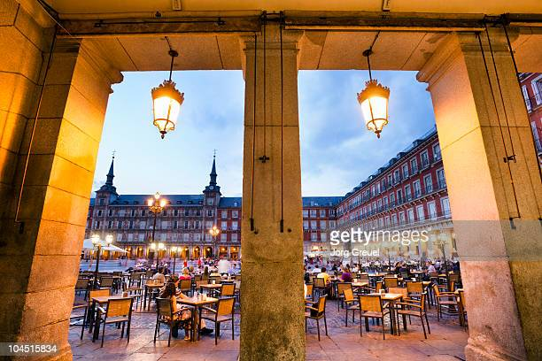plaza mayor at dusk - madrid bildbanksfoton och bilder