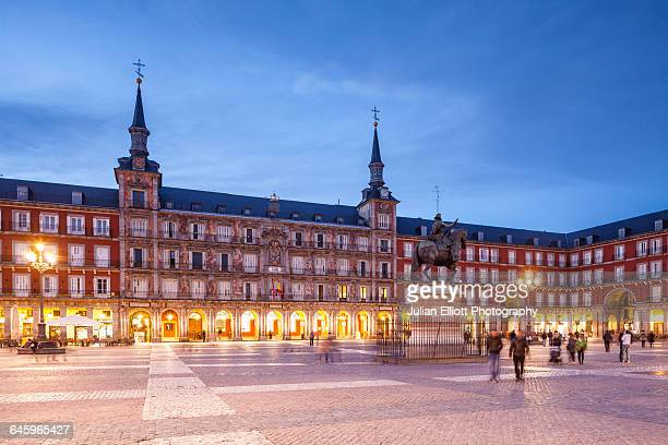 plaza mayor in madrid, spain. - madrid stockfoto's en -beelden