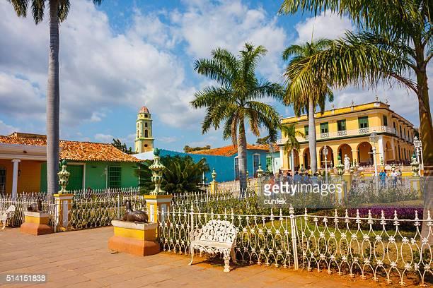 plaza mayor in trinidad, cuba - sancti spiritus provincie stockfoto's en -beelden